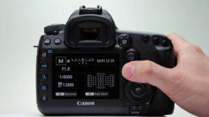 Canon EOS IDS Mark III Landscape - exposure compensation