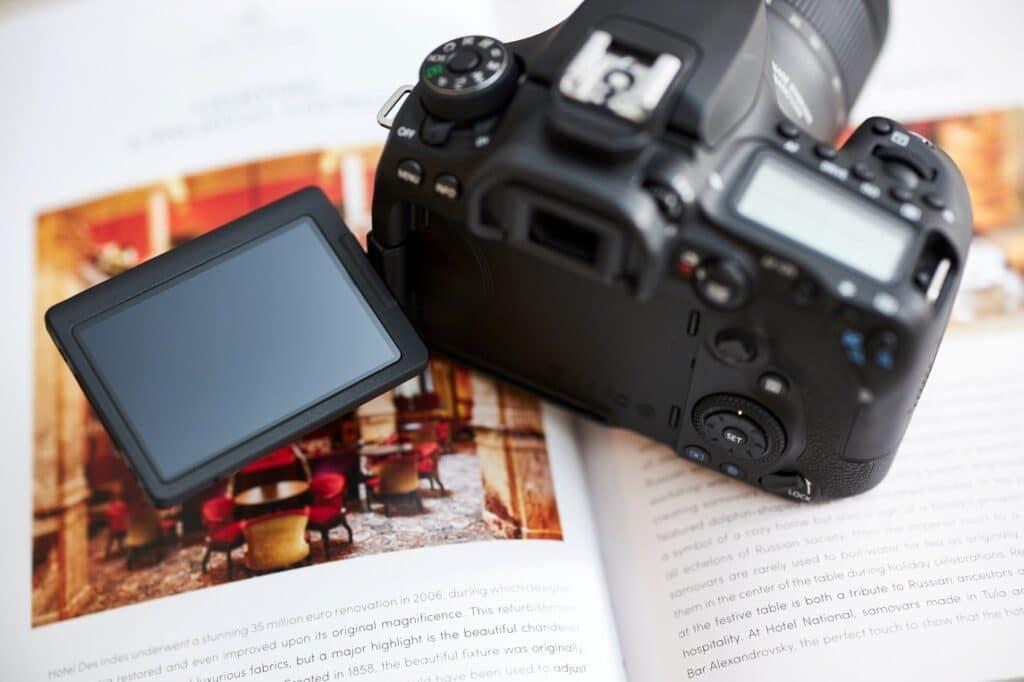 Canon EOS 90D shutter speed - touch screen