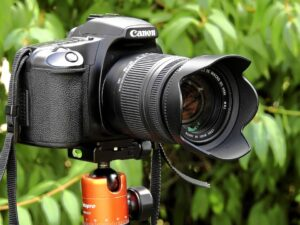 Canon EOS R features, price and reviews