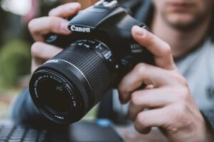 Best DSLR Camera Under 1000 - Canon Rebel T6i - 750D