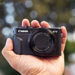 Is the Canon G7X Mark II good for Vlogging - pocket friendly