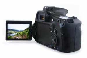 Canon 90D review - LCD Monitor