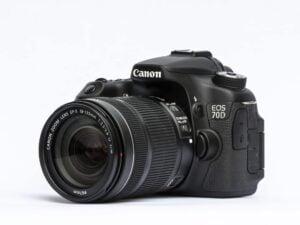 Canon camera with flip screen - EOS 70D