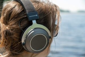 How does noise canceling headphones work physics - What is Passive Noise Canceling Headphones