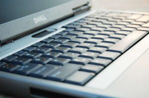 Best Touchscreen Laptop Under 1000 - Dell Inspiron i3583