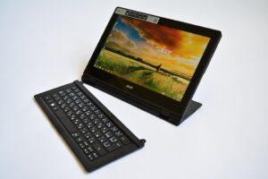 Best Touchscreen Laptop Under 1000 - Acer Spin 3