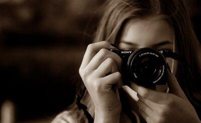 Sony Vlogging Camera with Flip Screen
