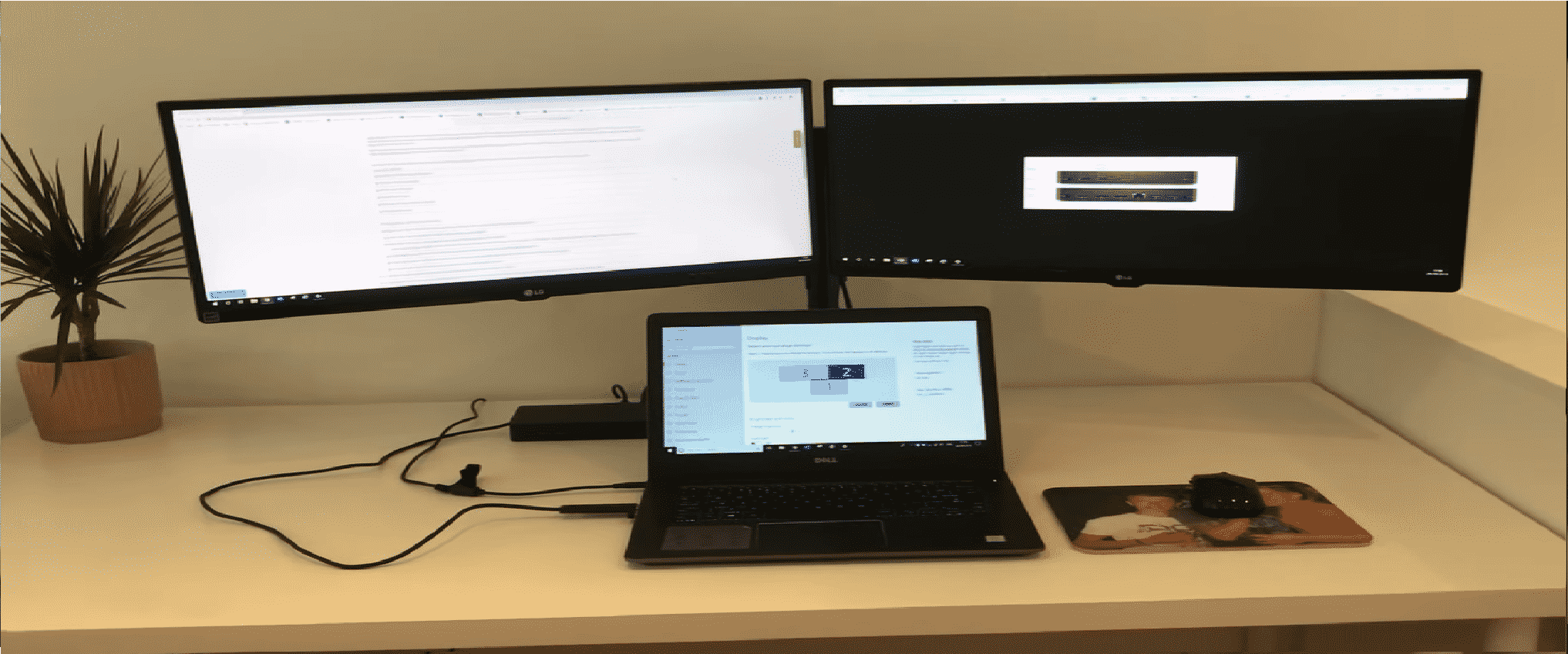 How to connect 3 monitors to a laptop docking station - Tekno Wifi