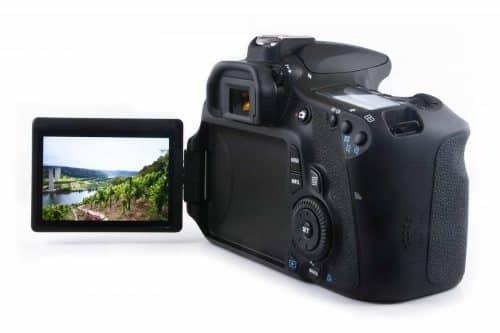 Canon cameras with flip screen