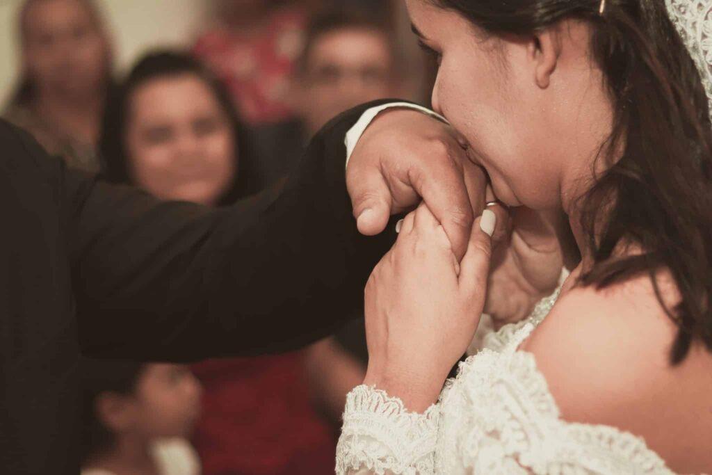 Wedding Photography Posing - Hand kiss