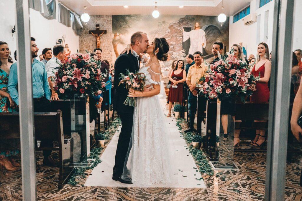 Wedding Photography Posing- The Kiss