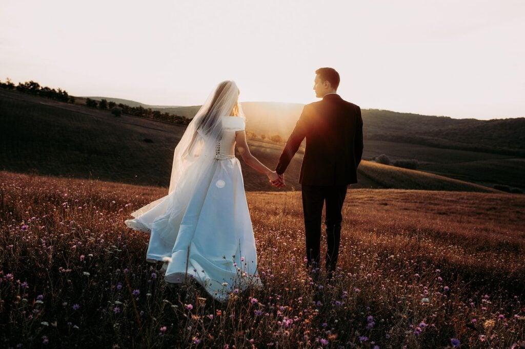 Wedding Photography Posing - Wedding Walk