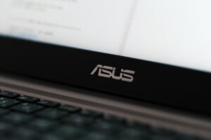 Best laptops for college students under $500 - ASUS Chromebook C423 Laptop