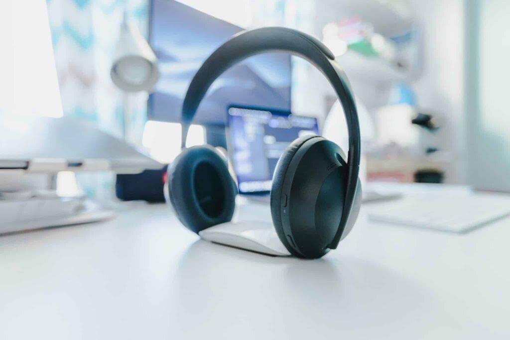 Best wireless headsets for landline phone - BlueParrott B450-XT Wireless Headset