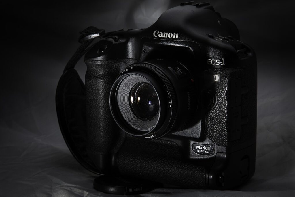 Key features of Canon EOS 1D Mark III