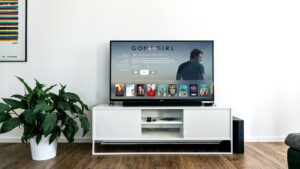 How to connect phone to Samsung smart TV - enjoy media on TV